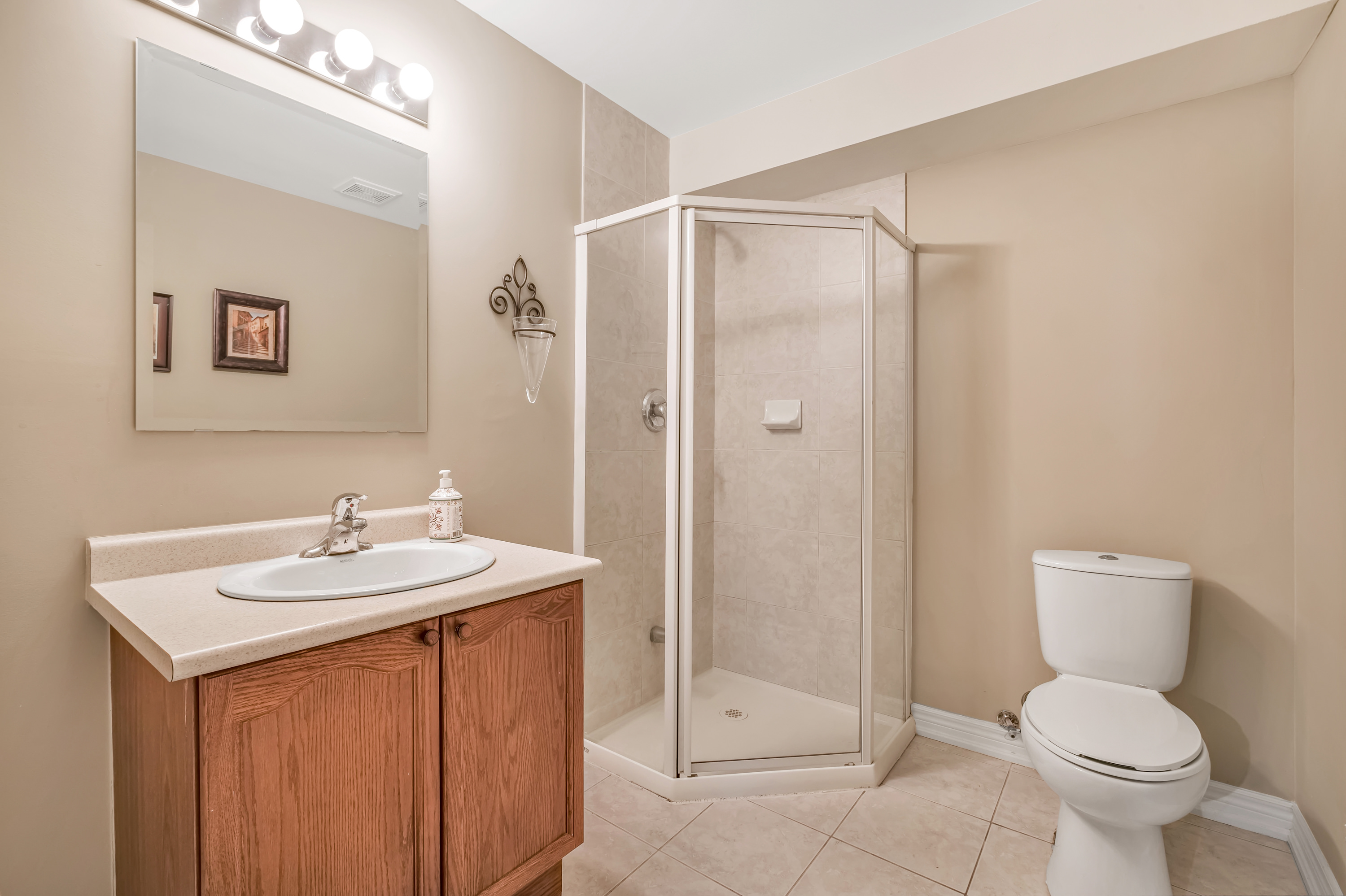 79-Goldenview-Waterdown-High-Res-7
