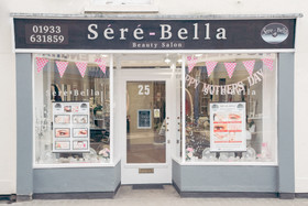 Sere-Bella Empty Salon (66 of 72).jpg