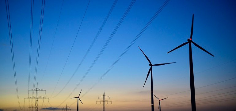 https://www.eenews.net/articles/1000-corporations-vs-utility-execs-who-is-right-on-100-clean-power/America