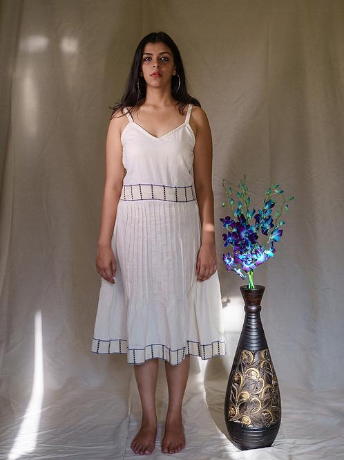 Neer Sleevless Dress