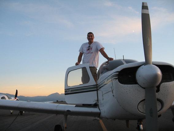 Flying Piper Warrior 140