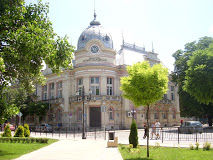 "Регионална библиотека ""Любен Каравелов"" е водещ културен институт с вековна история и традиции"