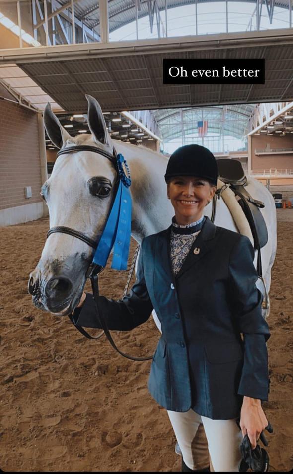 Kressi Tiziani celebrating a win at Iowa Goldstar 2020 on Platinum Knights!