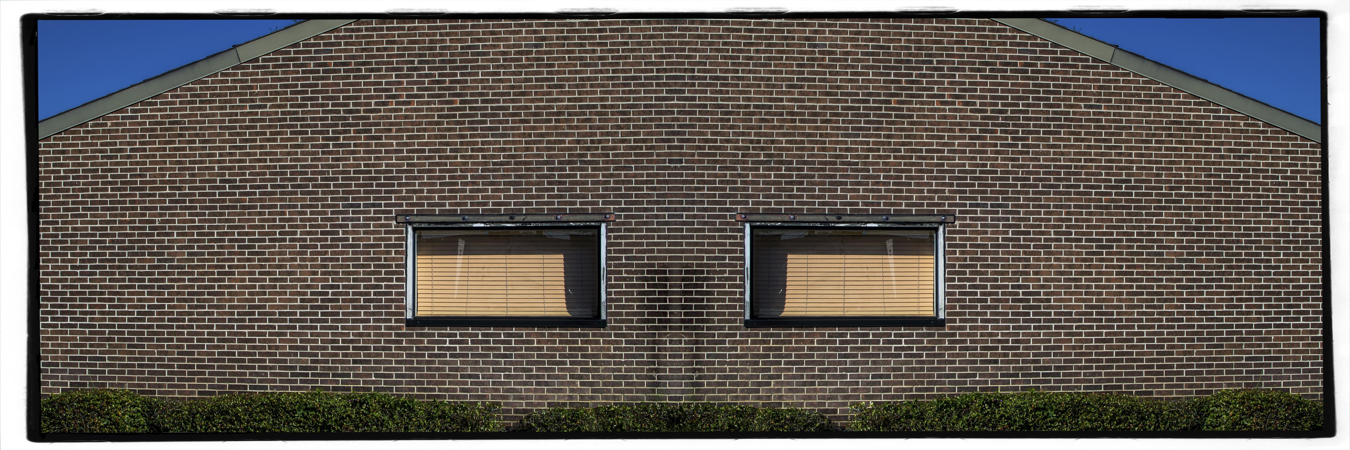2 eyed brick house