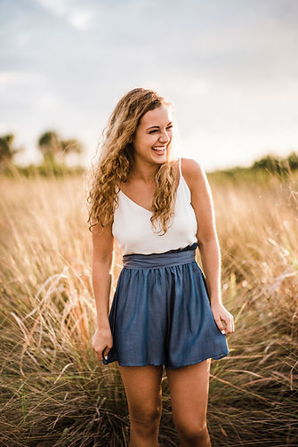 Tampa Senior Photographer Mariah Thomaso