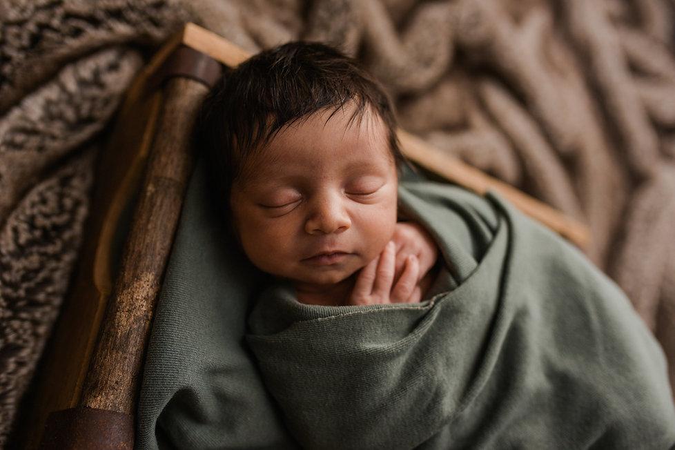 Tampa Lifestyle Newborn Photographer Mar
