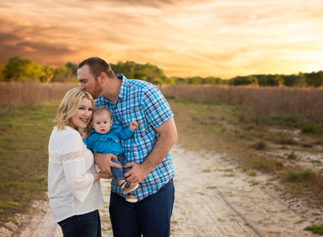 8 Steps to the Perfect Photography Session Wardrobe, Family Edition | Photographer in New Port Riche