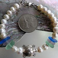 Freshwater pearl bracelet and hill tribe bead