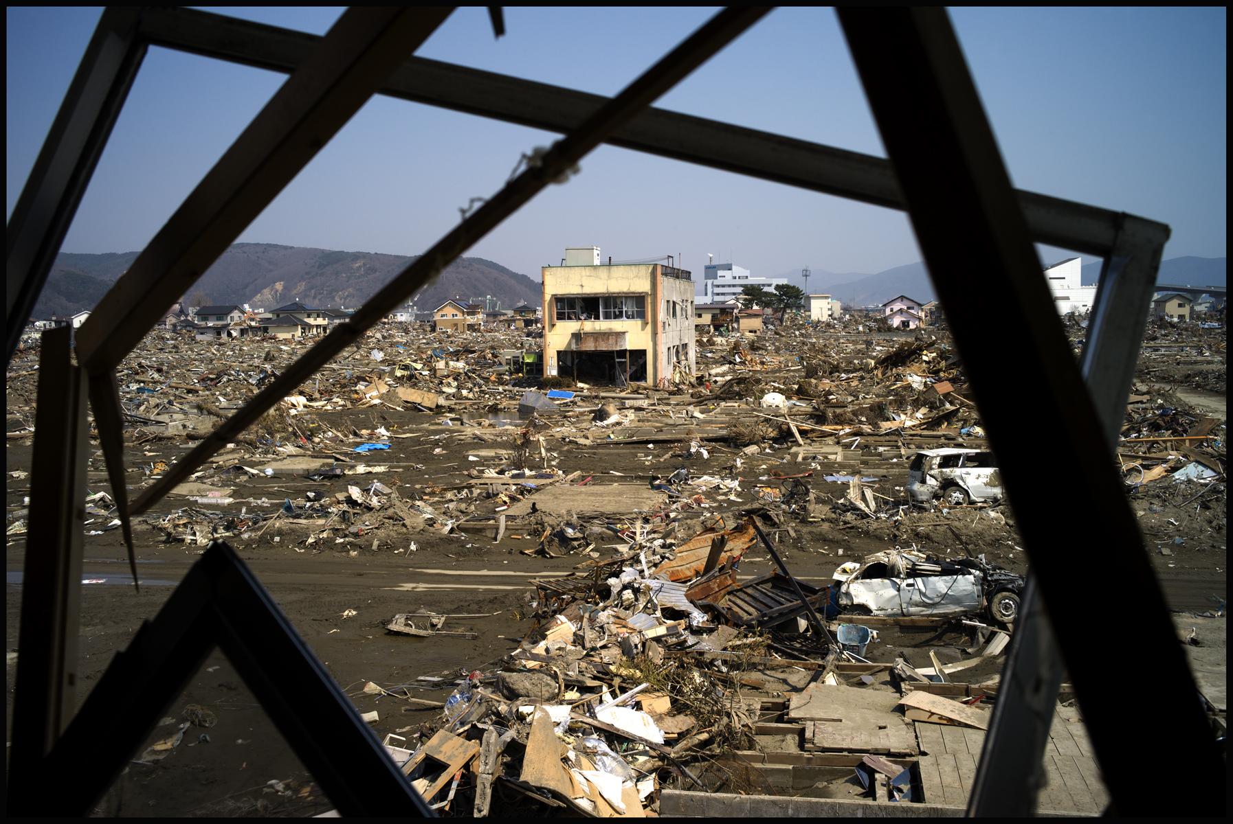 Tsunami Japan02