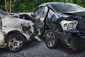 """נזקי רכוש נזק לרכב - תאונה - פגיעה אוטו - תאונת דרכים ביטוח - עו""""ד עידן אמיגה - עורך דין ע"""