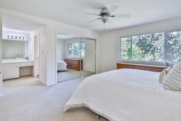 mMain Bedroom Suite3.jpg