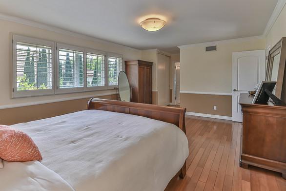 jMain Bedroom Suite2.jpg
