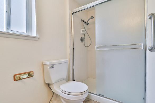 fHall Bath4.jpg