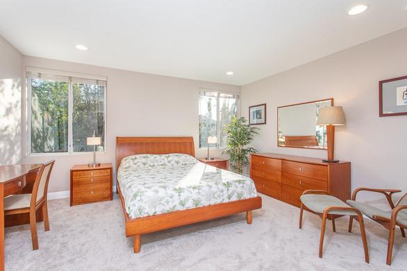 2930 Rikkard Drive, Thousand Oaks