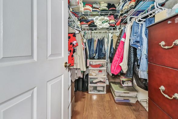 jMain Bedroom Suite8.jpg