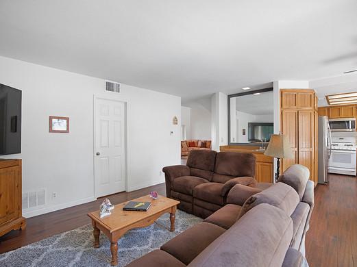782 Aspen Oak Court, Oak Park