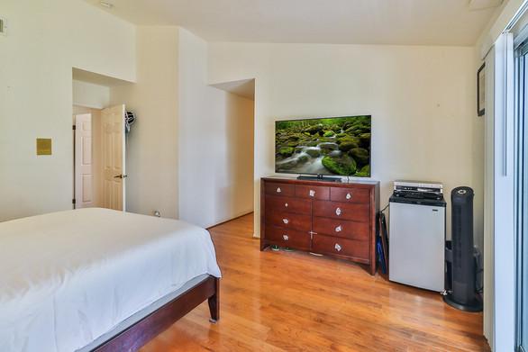 jMain Bedroom Suite4.jpg