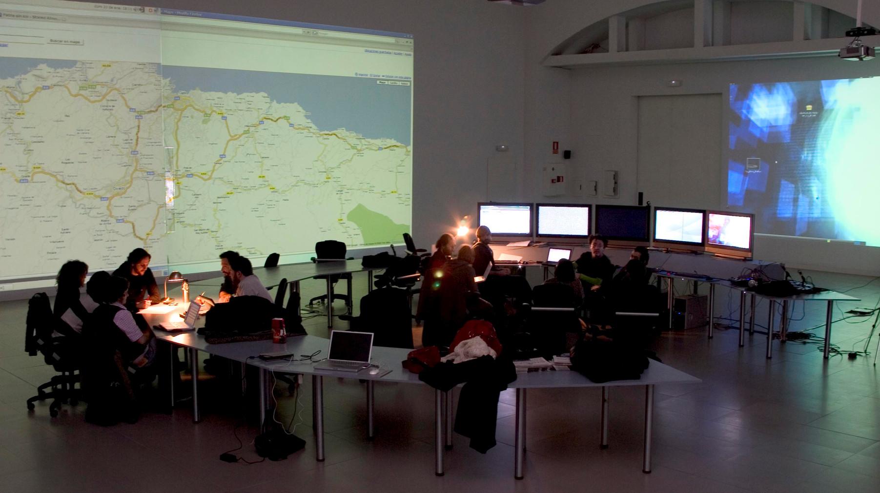 Fig. 16. hackitectura. Situation Room, 2003-2007. [Media-Lab] Cortesía de José Pérez de Lama, Pablo de Soto y José Laulhé.