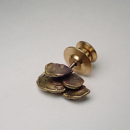 ウチワタケ ピンバッジ tree mushroom pins