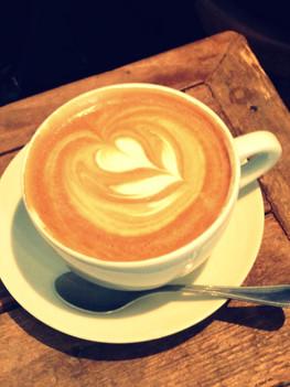 Face  à la Seine, face à Notre Dame, ça sent bon le café !