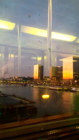 Il est 7h, Paris s'éveille