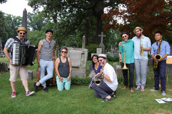Blowhards at Melville Grave 1