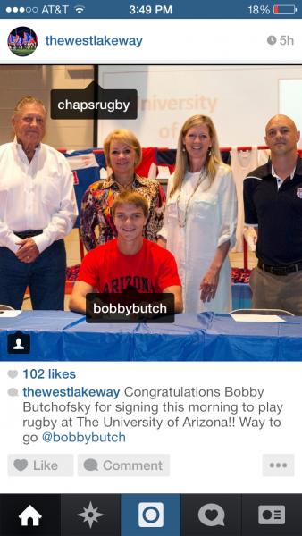 bobby-signing-uofa
