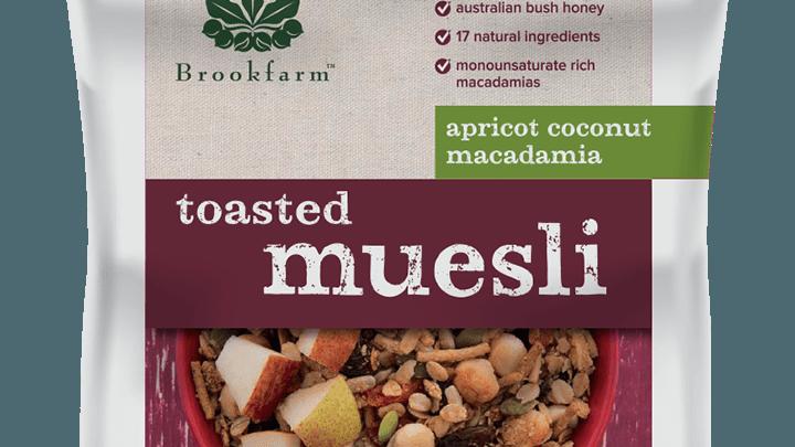 Toasted Macadamia Muesli with Apricot & Coconut