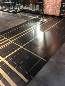 Fußboden Messing