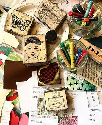 Creative-journalising-with-artist-Nichol
