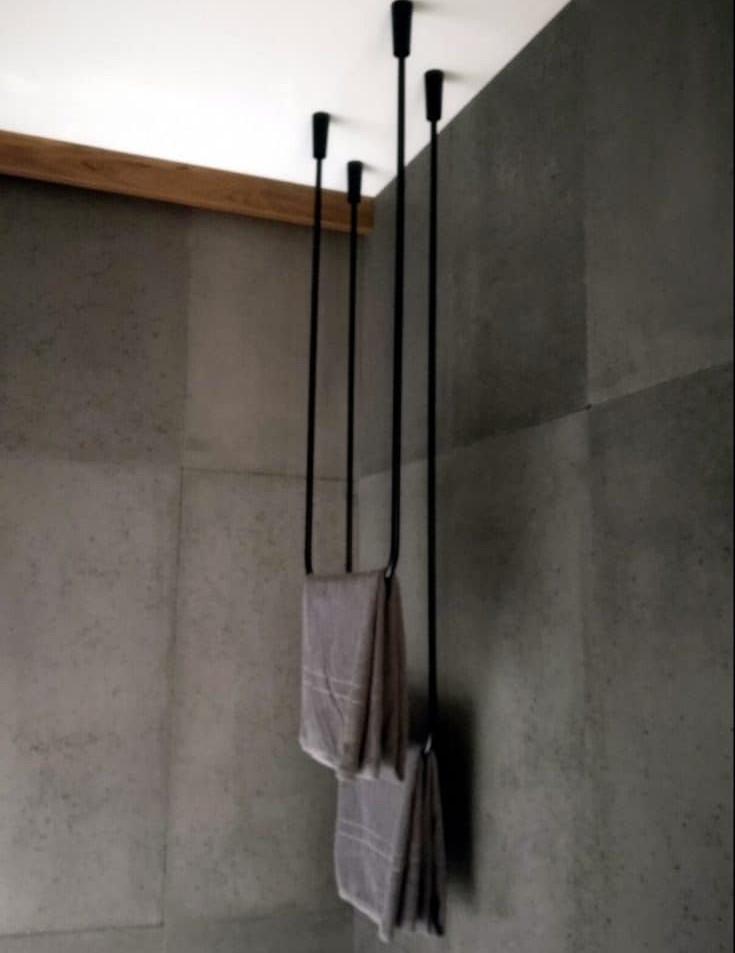 Steel towel rail