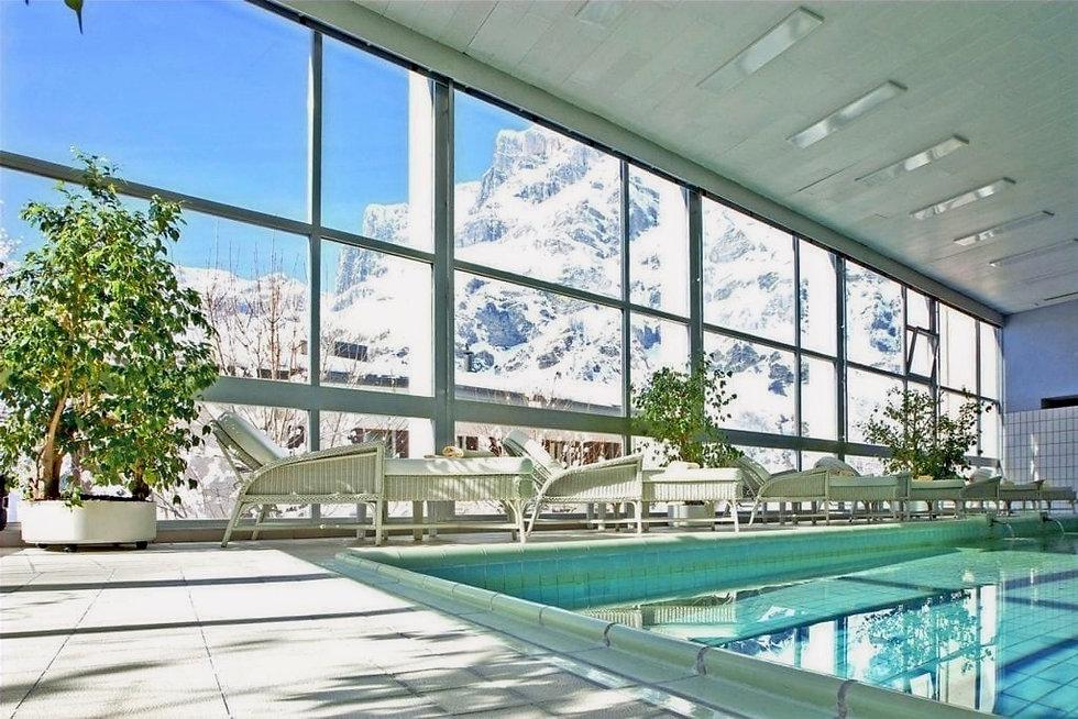 hotel-sources-des-alpes-piscine-1024x683