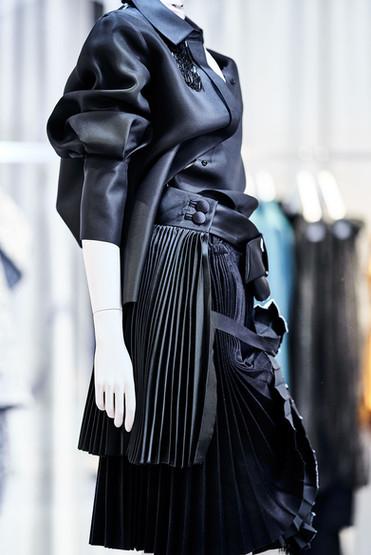 Edem-fashion-Puppe-black-leather3-web.jp