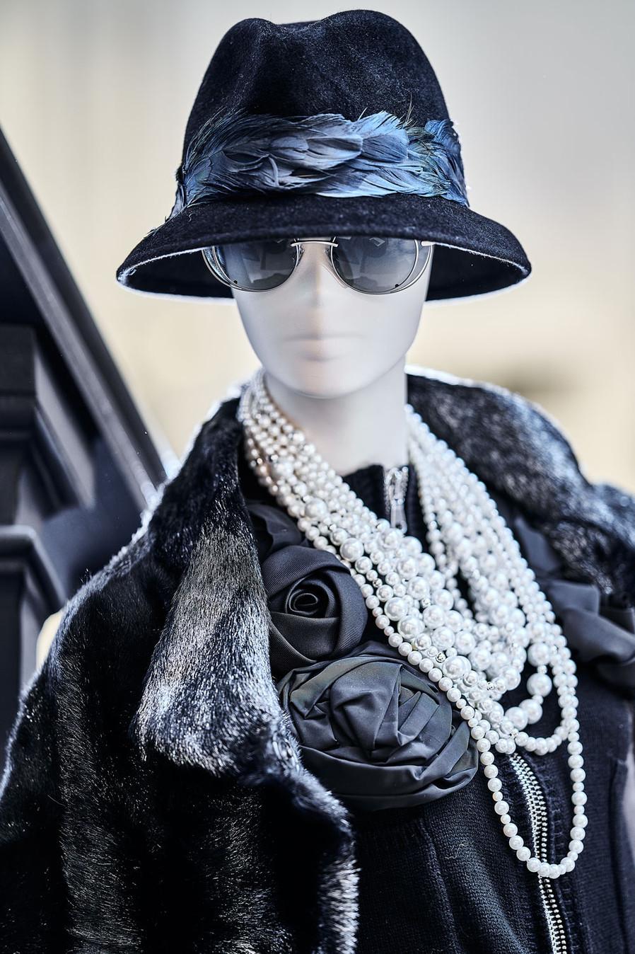 Edem-fashion-Puppe-Perlen-fur-web.jpg