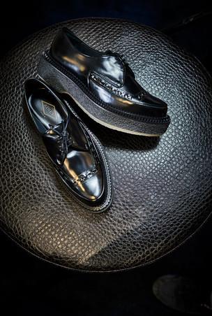Edem-Schuhe-black-Glanz-web.jpg