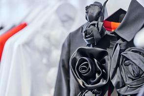 Edem-fashion-black-detail-Blume-web.jpg