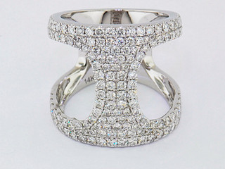 14k white gold 1.83ct total weight diamond ring