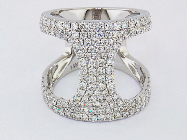 14k white gold 1.83ct total weight diamond ring
