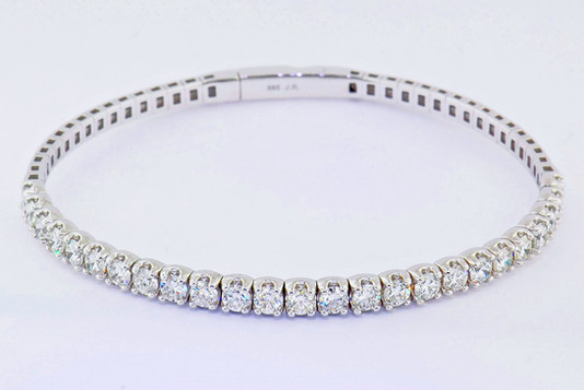 14k white gold, 3.13ct total weight diamond bracelet