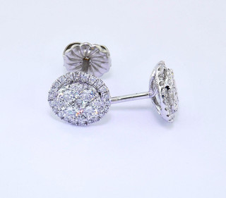 18k white gold .95ct total weight diamond stud earrings