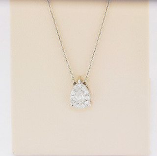 14k white gold, .30ct total weight diamond pendant