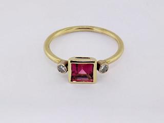 14k yellow gold .14ct total weight diamond, .91ct total weight pink tourmaline ring