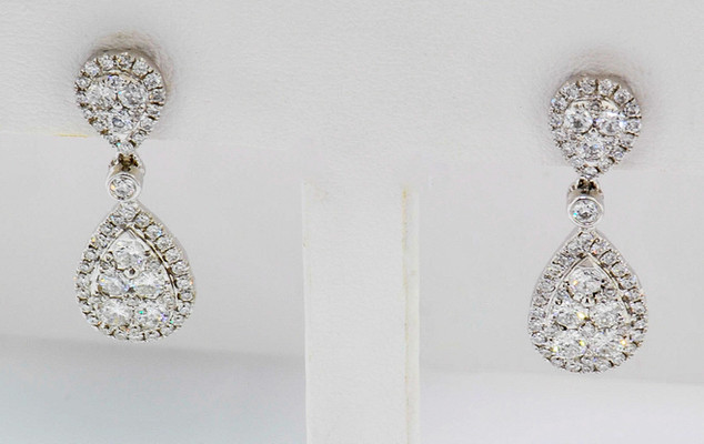 18k white gold 1.23ct total weight, diamond earrings
