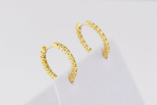 14k yellow gold, .32ct total weight common prong earrings