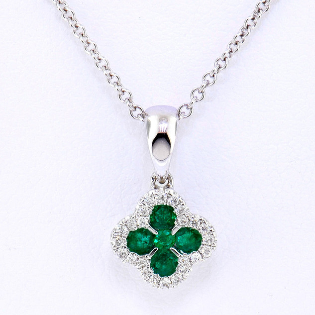 14k white gold .22ct total weight diamond, .09ct total weight emerald, necklace