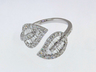 14k white gold 1.11ct total weight diamond leaf ring