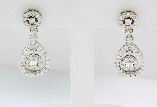 18k white gold 1.5ct total weight, diamond earrings