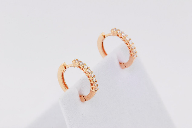 14k rose gold, .32ct total weight common prong earrings