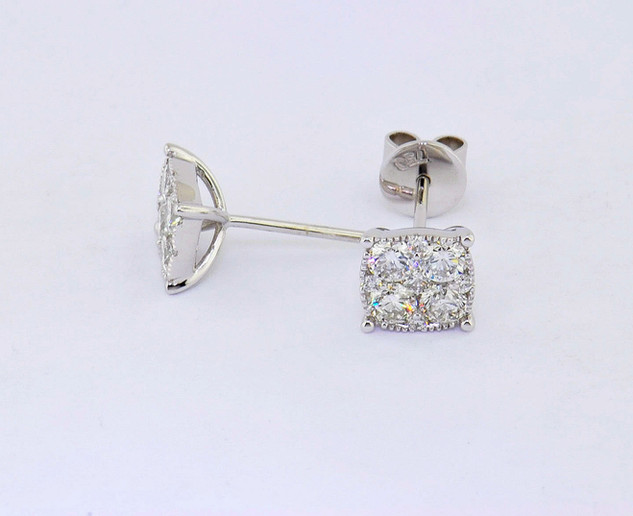 18k white gold 1.0ct total weight diamond stud earrings