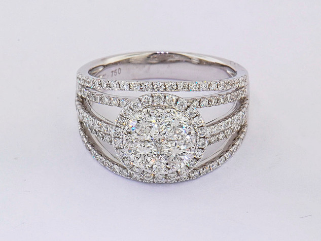 18k white gold 1.56ct total weight diamond ring